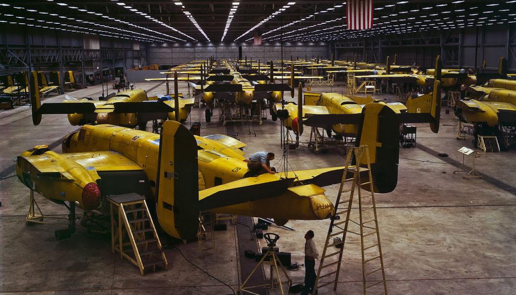 B-25_bombers_at_North_American_Aviation,_Kansas_City